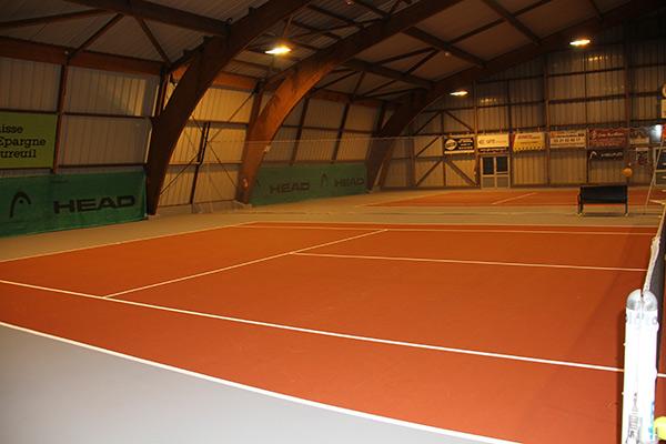 LES COURTS DE TENNIS RENOVES